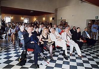 Inaugurazione del Centro Studi Mario Luzi La Barca. Da sinistra: Giorgio Parbuono, Annamaria Murdocca, Cesare Garboli, Mario Luzi (luglio 1999)